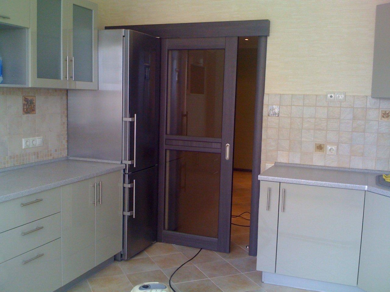 фото кухни с раздвижными дверями